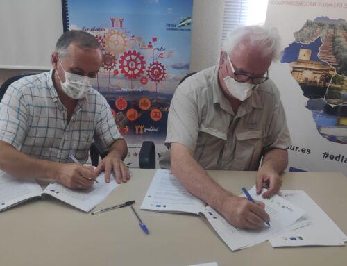 """Firma del contrato para la creación de las """"Experiencias Oleoturísticas"""" en el marco del proyecto de cooperación"""